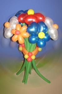 """Фигура из шаров """"Букет пёстрых цветов"""""""